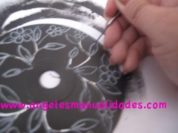 Dibujando el diseño en la superficie del cd