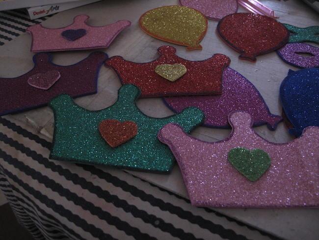 Manualidades r pidas goma eva para decorar angeles - Adornos para lapices en goma eva ...